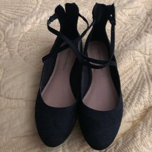 Black flat shoes. Worn once. Size 9